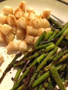 BEST dinner of the whole two weeks. Erik made bay scallops and I sauteed asparagus in coconut oil. This made my NIGHT.