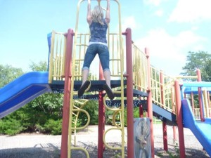 Strong Figure Ambassador, Becki, doesn't let the playground stop her from getting in a workout...or getting into her jeans.